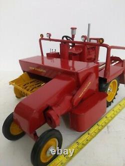 1/16 custom farm toy New Holland Self Propelled Hay Baler