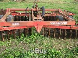 White 252 Finishing disk 16-17' manual fold spring assist on wings. Good blades